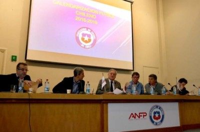 Clubes chileno cogitam a partir desse realizar o campeonato nacional de abril a dezembro