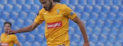 Filho de ex-jogador Bebeto embalado pelo o pai na copa de 94 busca seu espaço em Portugal