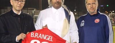 Owaldo de Oliveira se apresenta em clube Árabe e Homenageiam  ex-atleta da Chape