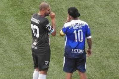 Ronaldinho Gaúcho pode defender equipe Uruguaia na Libertadores 2017