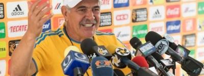 Treinado Brasileiro  atual campeão do apertura mexicano se revolta com a arbitragem local