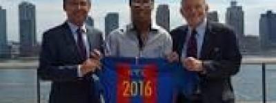 Ronaldinho deve fazer sua estréia no veterano no Barça em clássico contra Real madrid !