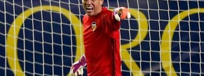 ''Traidor ?''Goleiro Brasileiro está perto de deixar sua equipe para time rival !