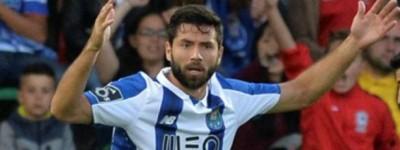 Ex- Corinthians ganha apelido estranho em Portugal e cita interesse de grandes da europa