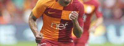 O meia brasileiro Fernando marcou um dos gols da partida em Título do Galatasaray !