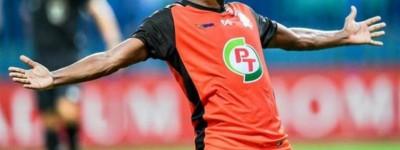 Brasileiro diz que futebol tailandês evoluiu após contratar profissionais estrangeiros !
