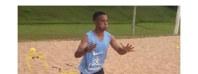 Iniciando na Base do Corinthians, jovem Brasileiro pode estar de partida rumo ao Exterior!