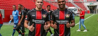 Após completar 18 anos atacante Paulinho é apresentado no Bayer com status de estrela !