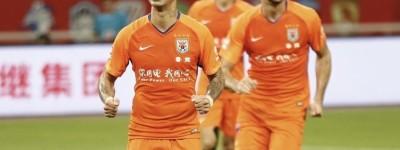 Brasileiro Tardelli marca e dá assistência para Pellè e Shandong vence pelo Chinesão !