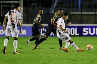 Mesmo Ganhando ,Vasco fica fora da próxima fase da Sul-Americana após perder de 3x1 na ida