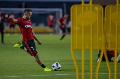 Everton Ribeiro está em alta em pré-temporada  e diz que reforços são bem vindos !