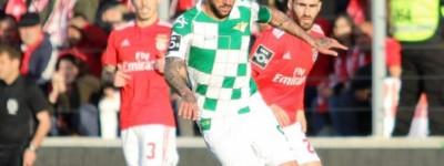 O volante brasileiro Neto foi titular e comemorou a boa fase da equipe.Moreirense !