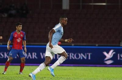 Atacante brasileiro marcou seu terceiro gol na temporada em futebol Malaio !