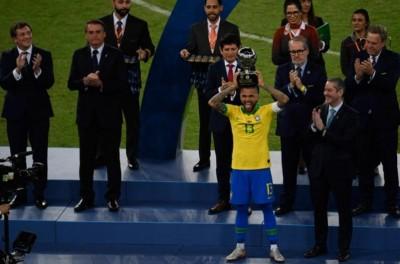 'Merecido' Brasileiro Dani Alves é eleito o melhor jogador da Copa América 2019 !