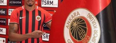 Volante Brasileiro teve boa passagem no Marítimo,de Portugal,e agora está no futebol Turco