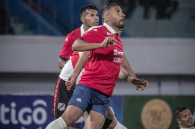 Em nova realidade, Brasileiro de 28 anos ex-Vasco busca sucesso na Bolívia !