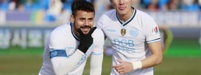 Brasileiro marca dois e garante Daegu em 'final' por vaga na Champions da Ásia