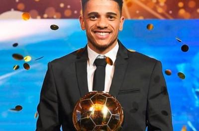 'Recompensador '!Após sofrer racismo,brasileiro é eleito o melhor jogador da Ucrânia!