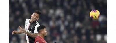 Lateral Brasileiro sofre lesão na coxa direita e desfalcará  a Juventus por 10 dias !