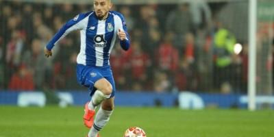 'Em alta'Lateral Brasileiro do Porto ,está sendo leiloado entre Barcelona e Chelsea !