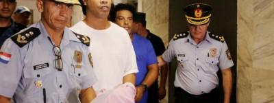 Brasileiro completa 1 mês encarcerado e sem previsão para liberdade !