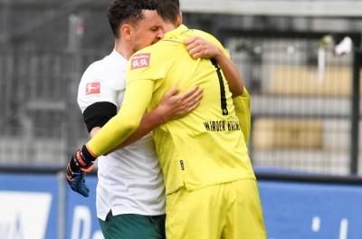 ''Isso Pode ?''Com gol brasileiro,e até abraços,Werder  volta a vencer após sete jogos !