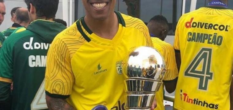 Hoje em Portugal,brasileiro revela carinho pelo timão mesmo sem oportunidade de atuar !