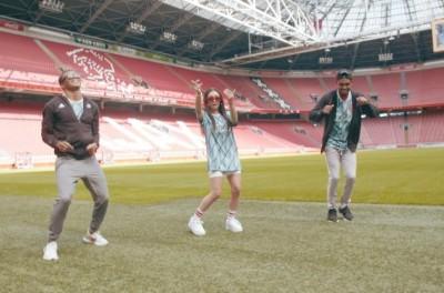 Ajax coloca Brasileiro para cantar e dançar em clipe na celebração da chegada de Antony !