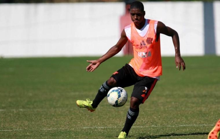 Brasileiro de 24 anos disputou o Paulista pela Ferroviária e agora vai defender o FC Zira