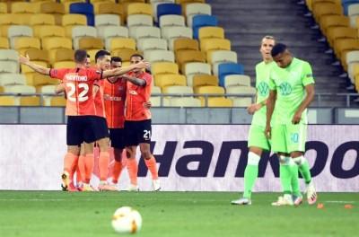 Com 2 gols de Brasileiro, Shakhtar e avança às quartas da Liga Europa !