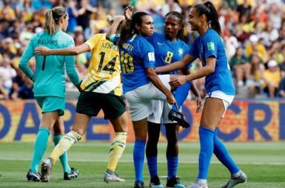 Brasileiro Marta celebra a igualdade de pagamentos da seleção brasileira: