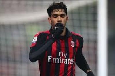 Cotado para deixar o Milan,Brasileiro não é relacionado para jogo decisivo da Liga Europa