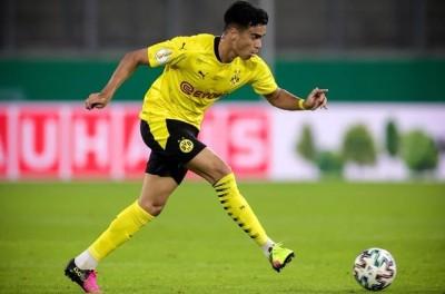 Na estreia oficial de Brasileiro, Borussia avança na Copa da Alemanha com goleada !