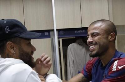 Brasileiro ''zoa reecontro'' de Neymar e Rafa Alcantara e diz ''Que dupla''!