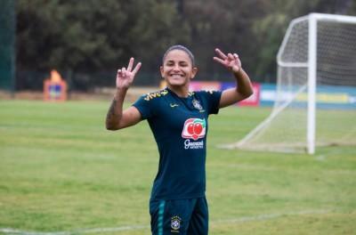 Jogadora brasileira se destaca como atacante no North Carolina Courage,!