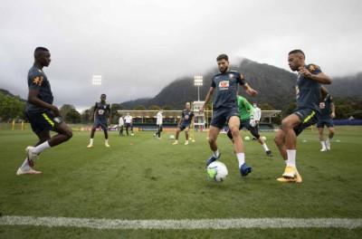 Com Everton Ribeiro e Allan de titulares, Tite monta Seleção para enfrentar a Venezuela.