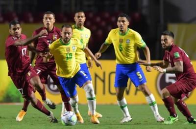 'Herdeiro' da 10 da Seleção, Everton Ribeiro faz partida segura e se firma no leque de opç