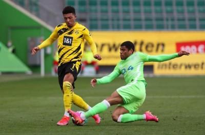 Lateral brasileiro do Wolfsburg tem zero erros defensivos e lidera em números de desarmes!