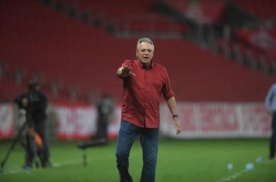 Clube anuncia contratação do técnico Brasileiro Abel Braga'estou indo para fazer história'