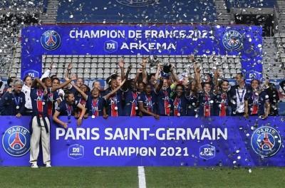 Com as Brasileiras Formiga e Luana,PSG é campeão francês feminino após 14 anos de jejum