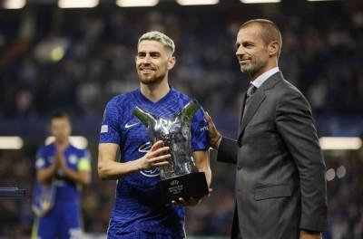 ''Em mãos '' brasileiros recebem reconhecimento da Uefa antes do jogo Chelsea x Zenit