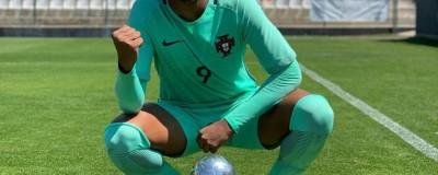 ''Perdemos'' Vejam aqui , Cinco jovens brasileiros e um destino: jogar em outras seleções