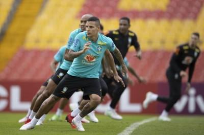 Antes de estreia na Seleção lateral brasileiro tem receita