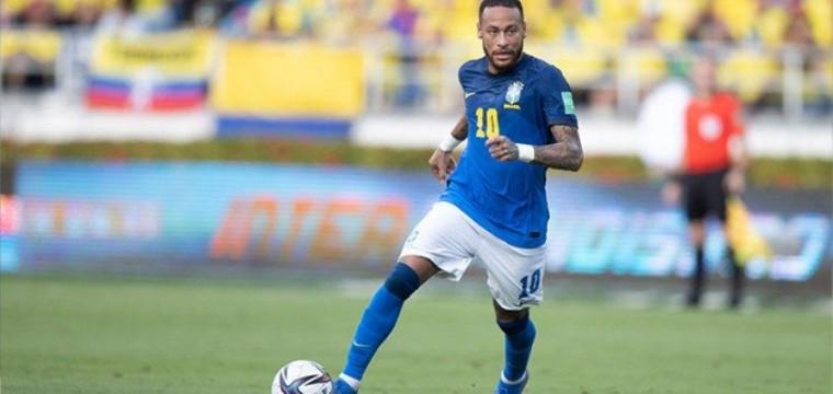Brasileiro ultrapassa Pelé em jogos pela Seleção, mas faz uma de suas piores partidas
