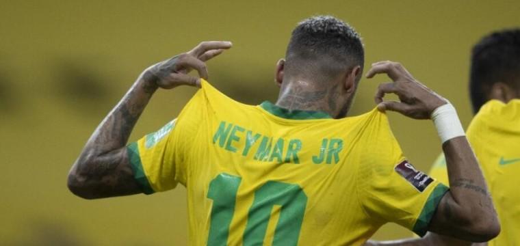 ''Com moral ''No retorno de Neymar, Brasil quer manter o 100%nas eliminatórias !